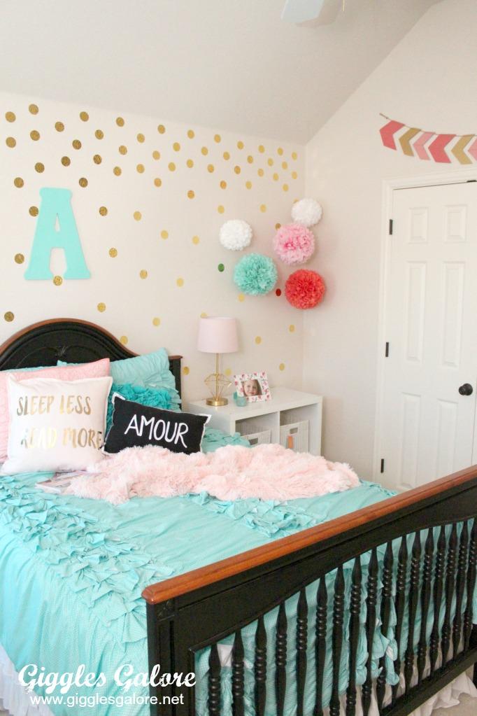 Tween Girls Bedroom Makeover - Giggles Galore on Room Decoration For Girls  id=74839