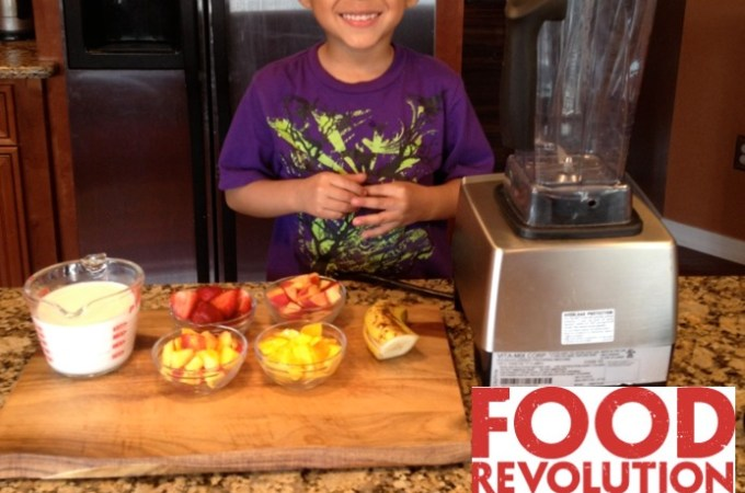 Jamie Oliver Food Revolution Day – Kids Make Smoothies