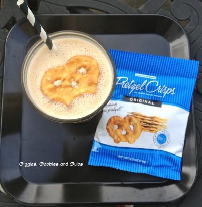 5 Days of Back To School Breakfast Ideas – PB Banana Pretzel Smoothie (Day #2)