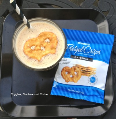5 Days of Back To School Breakfast Ideas – PB Banana Pretzel Smoothie (Day #2)