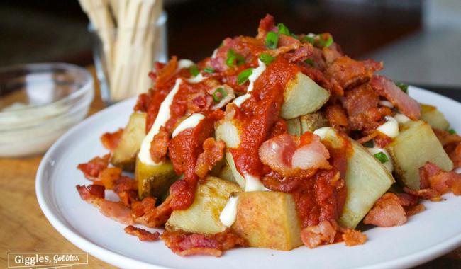 Patatas Bravas con Bacon (Spicy Potatoes with Bacon)
