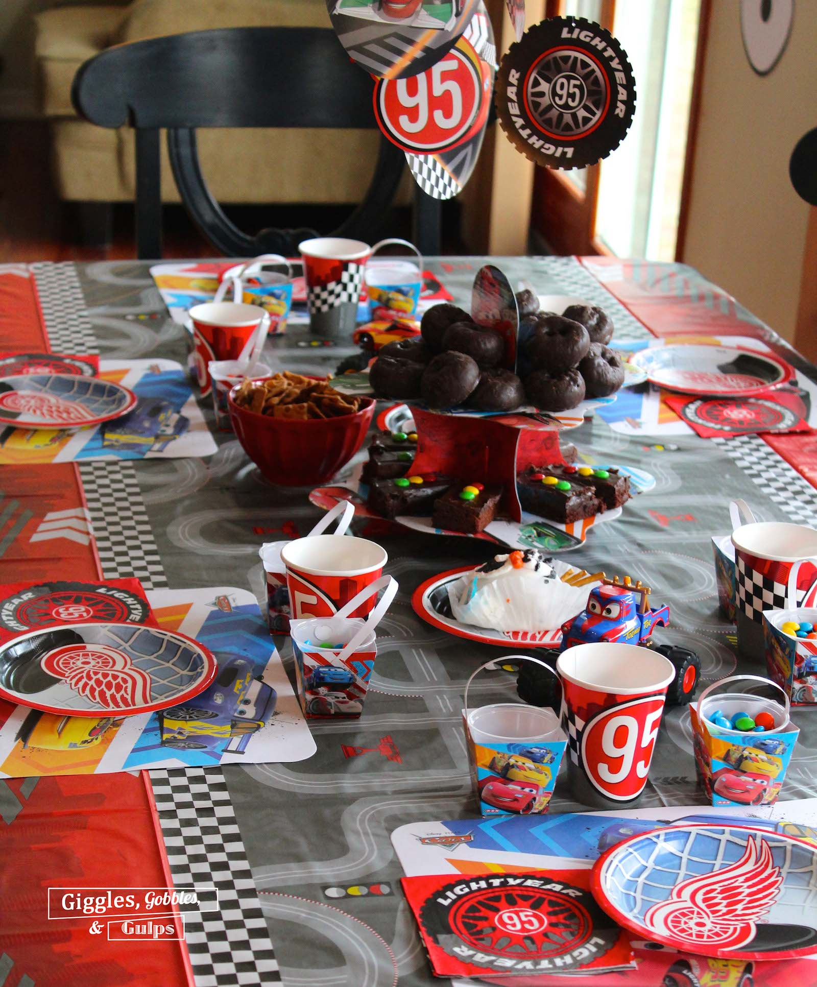 Cars Table Decorations Cars Disneyside Brunch Giggles Gobbles And Gulps