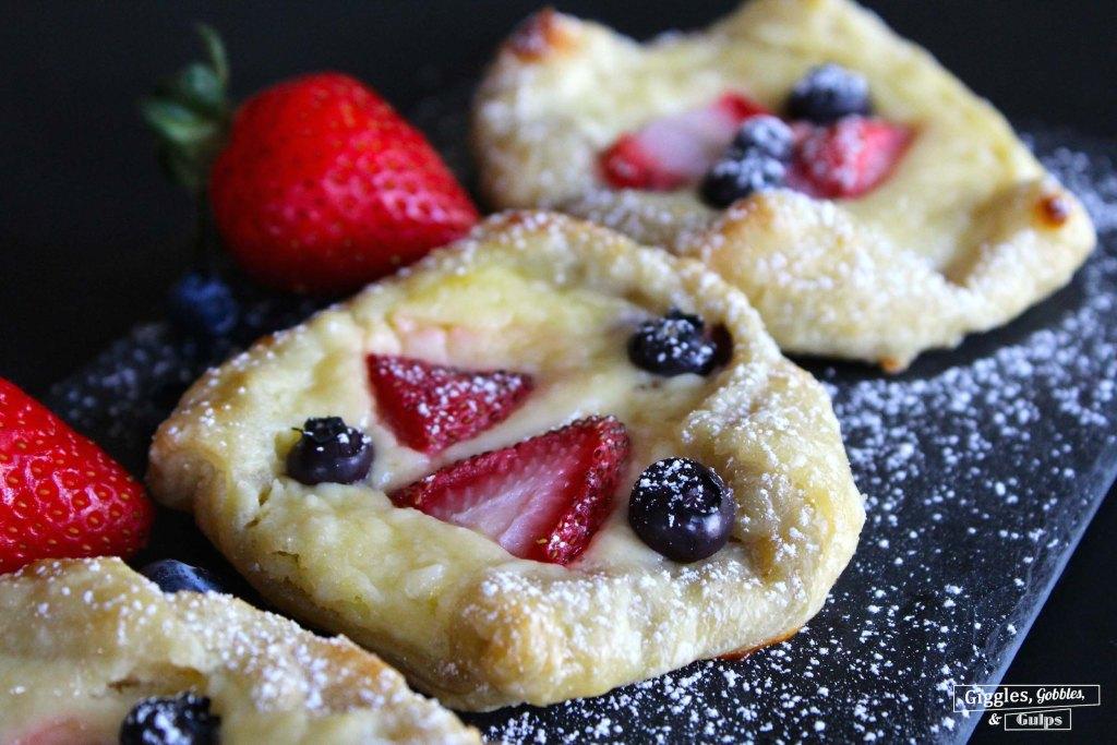 puff pastry berry cheese danish5