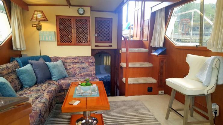 boatyard guest yacht