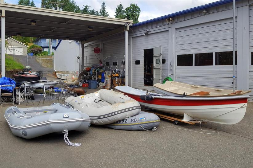 dinghies at Second Wave