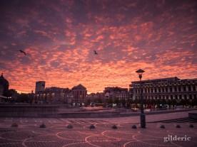 Un matin surréaliste sur la Place Saint-Lambert