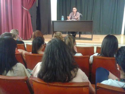 Charla informativa con el compañero Álvaro García Mancheño de Pedrera, el 7 de nayo de 2013