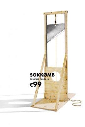 Falegnameria sociale allIkea di Casalecchio ha presentato una ghigliottina come emblema della giustizia fai-da-te