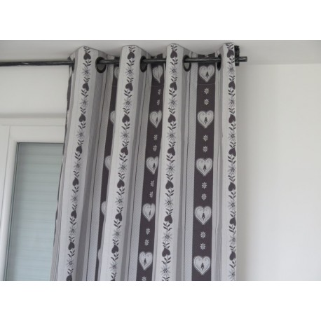 rideaux pret a poser forclaz rayures inverse coeurs gris sur fond blanc