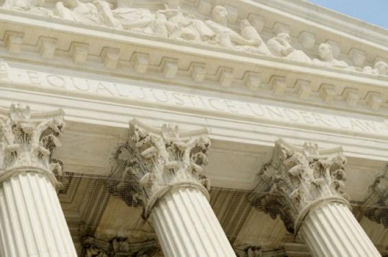 Droit - Jugement - Tribunal