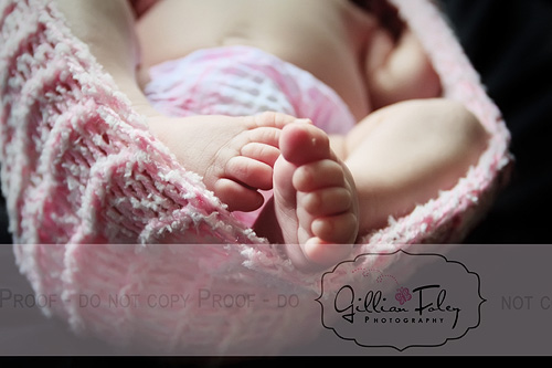 Make a newborn cocoon photography prop | Gillian Foley Photography