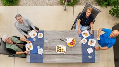 outdoor picnic during coronavirus