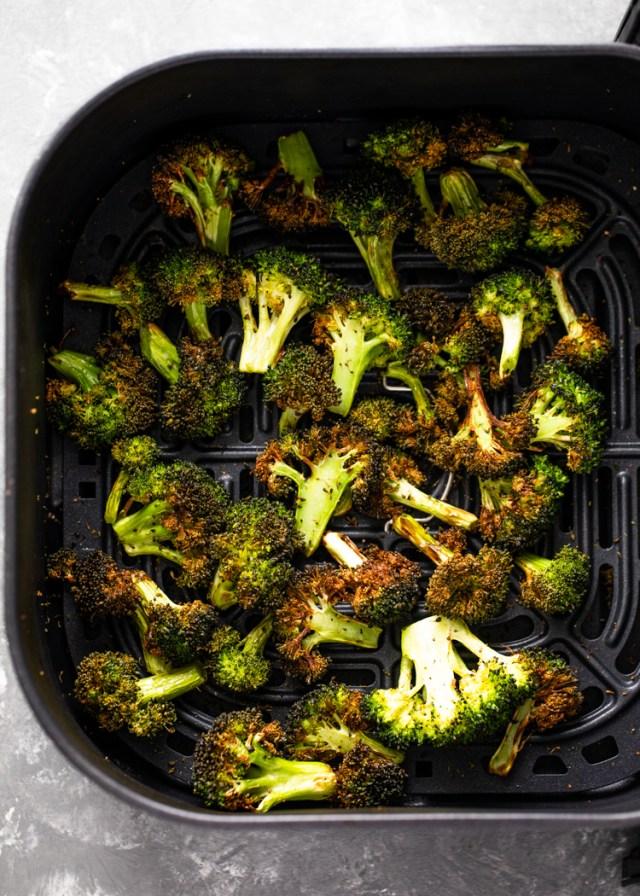 21 Minute Crispy Air Fryer Broccoli