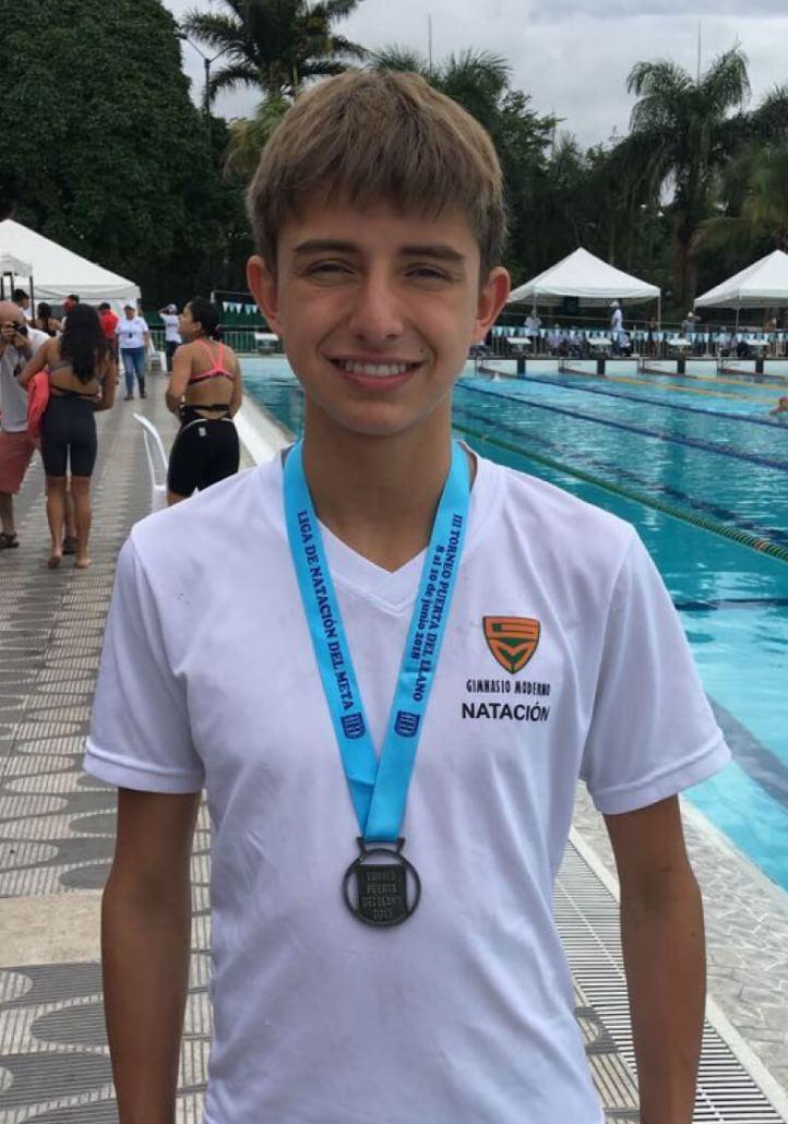 Pablo Zarate Lozano2dolugar en la prueba de 100mts Libre