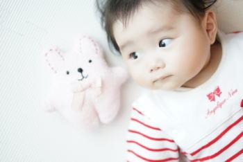 乳児のおもちゃは除菌する?!赤ちゃんに刺激の少ない除菌アイテム!?