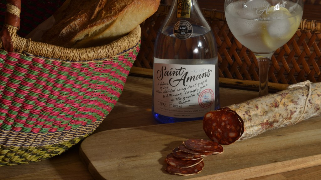 Saint Amans gin and saucisson
