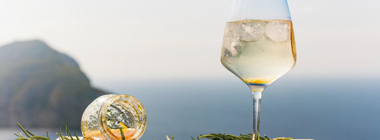 Gin Mare gin drink in the sun
