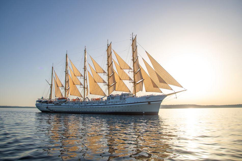 The Golden Horizon sets sail