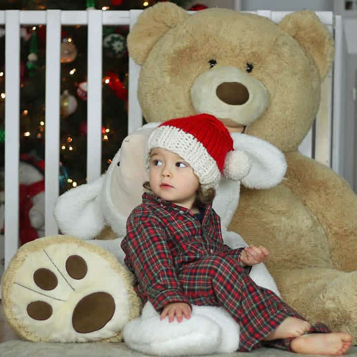 Free Santa Hat Knitting Pattern by blogger Gina Michele