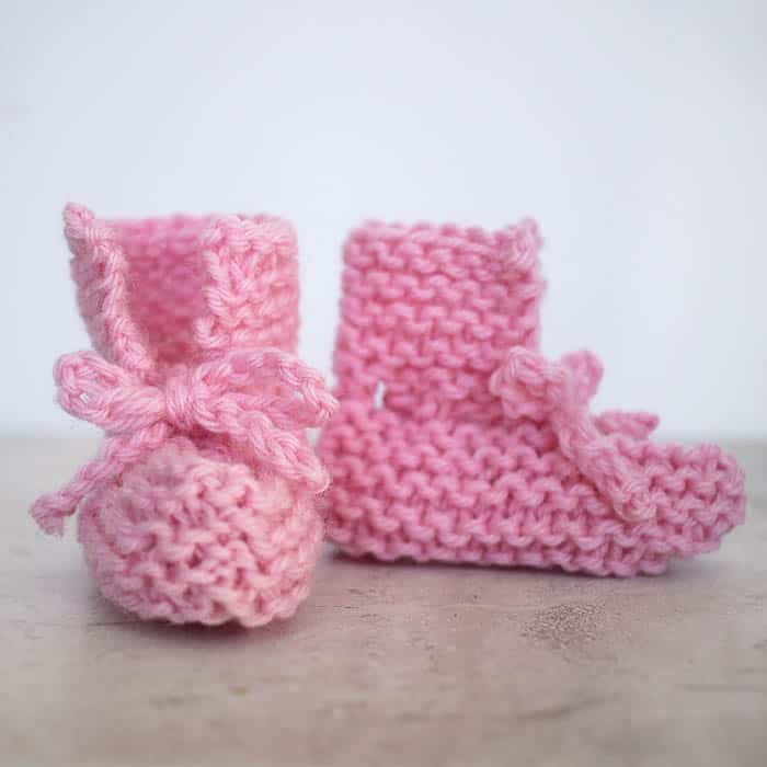 EASY Tie Front Baby Booties Knitting Pattern - Gina Michele