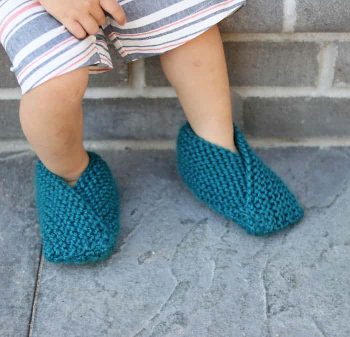 Easiest Toddler Slippers Knitting Pattern by Gina Michele