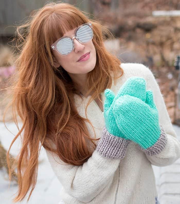 Flat Knit Women's Mittens Free Knitting Pattern
