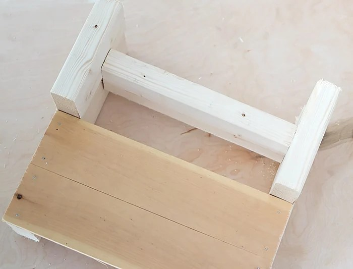 Kid's Wood Step Stool DIY