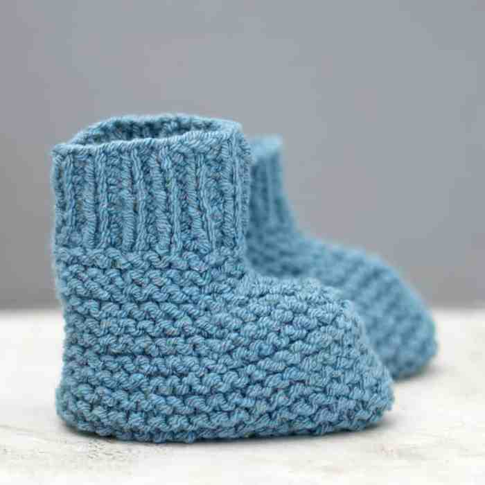 Easy Stay On Baby Booties Knitting Pattern - Gina Michele