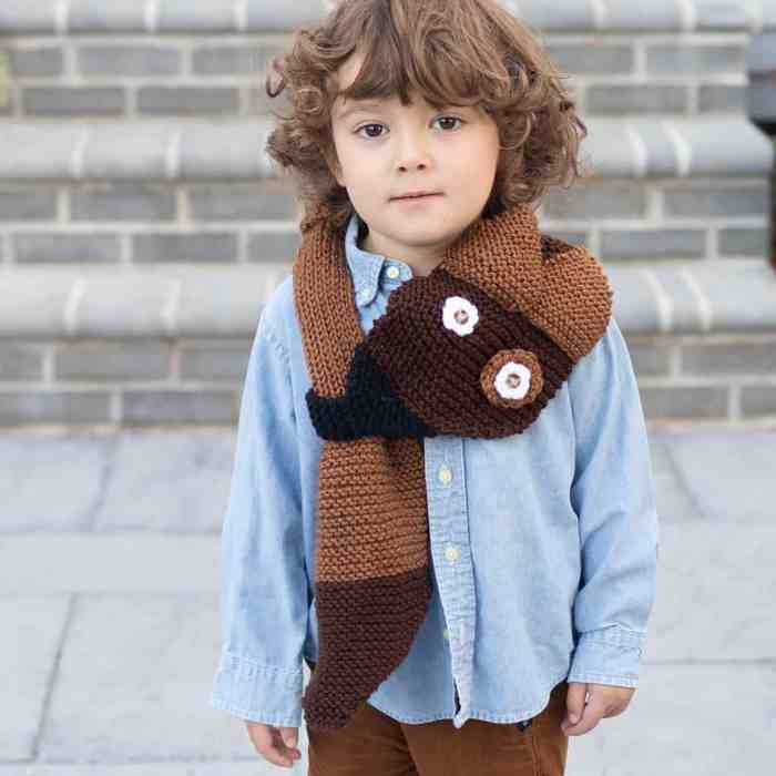 Kid's Dog Scarf Knitting Pattern