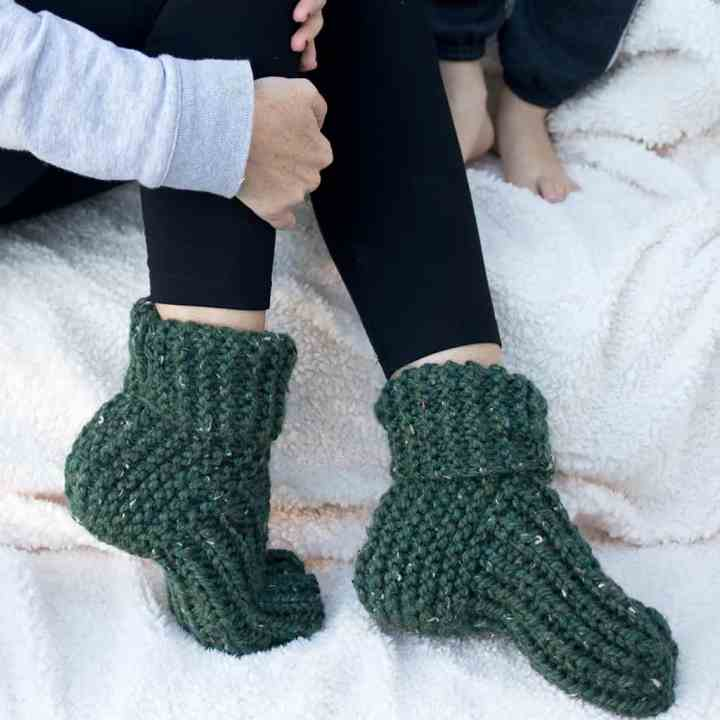 Flat Knit Slippers Knitting Pattern