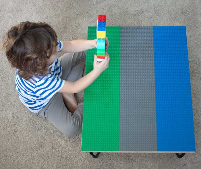 Lego Table DIY