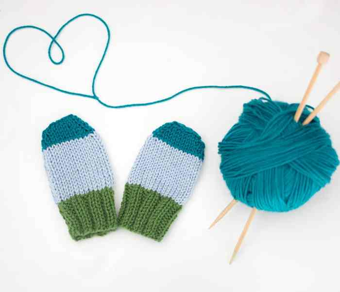 Flat Knit Baby Mitts