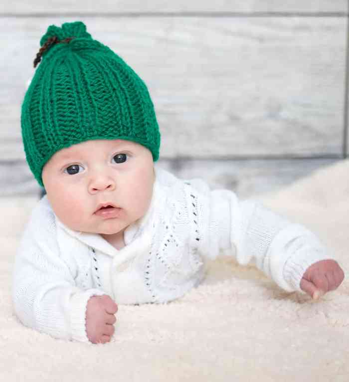 Easiest Newborn Hat Knitting Pattern by Gina Michele
