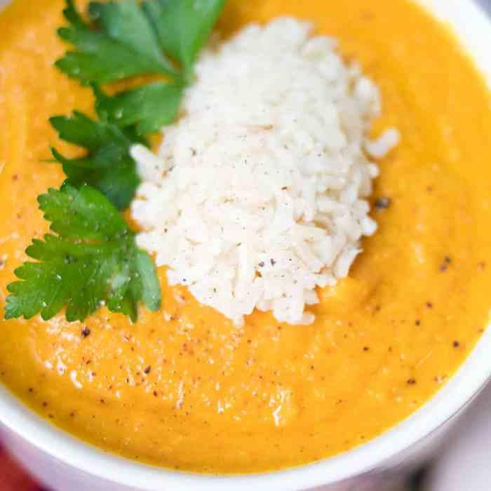 Slow Cooker Vegan Carrot Ginger Soup