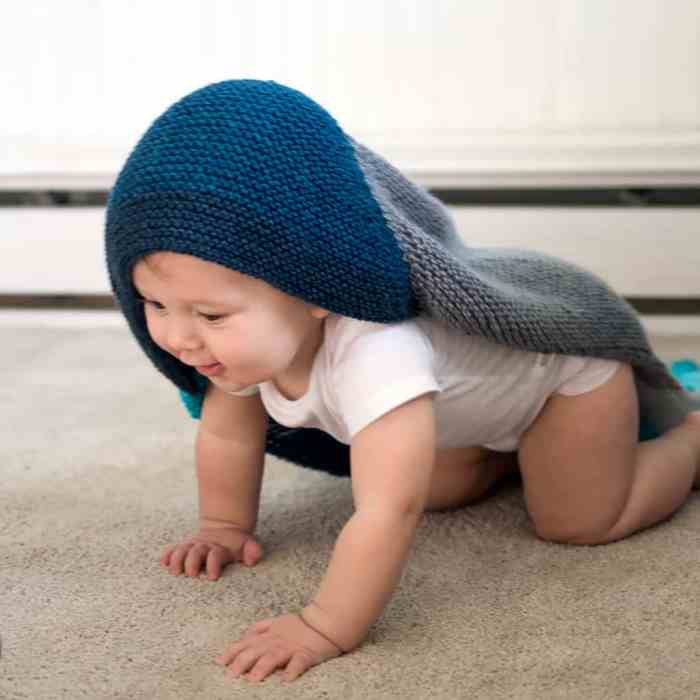 Beginner Hooded Baby Blanket Knitting Pattern