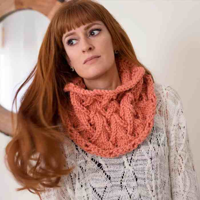 How to Knit the Zig Zag Stitch in the Round