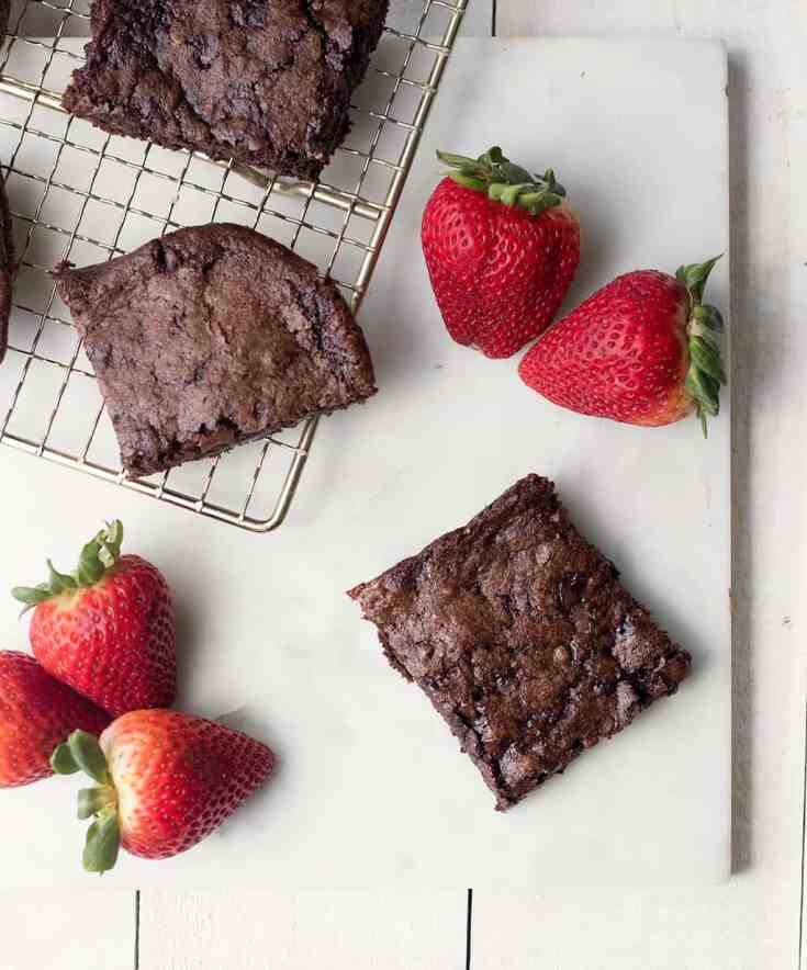 https://gina-michele.com/2020/04/best-vegan-and-gluten-free-brownies.html