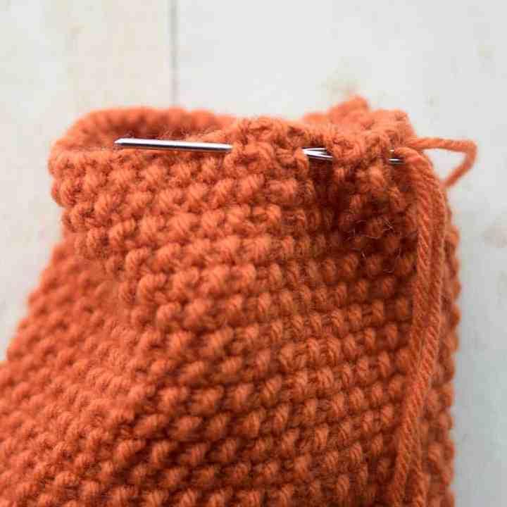Seed Stitch Pumpkins Knitting Pattern