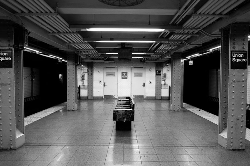 Union Square train station platform