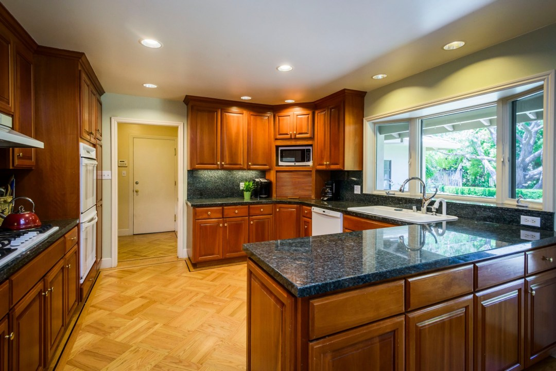 30 Trophy Ct Hillsborough CA-print-022-Kitchen-3871x2583-300dpi