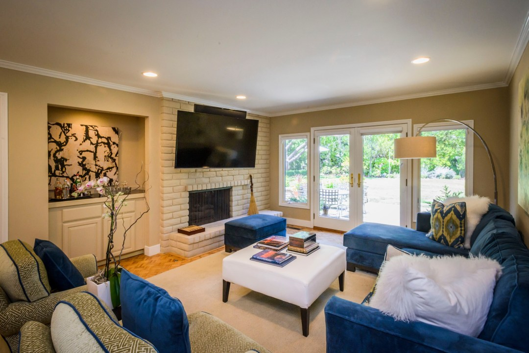 30 Trophy Ct Hillsborough CA-print-026-Family Room-3871x2583-300dpi