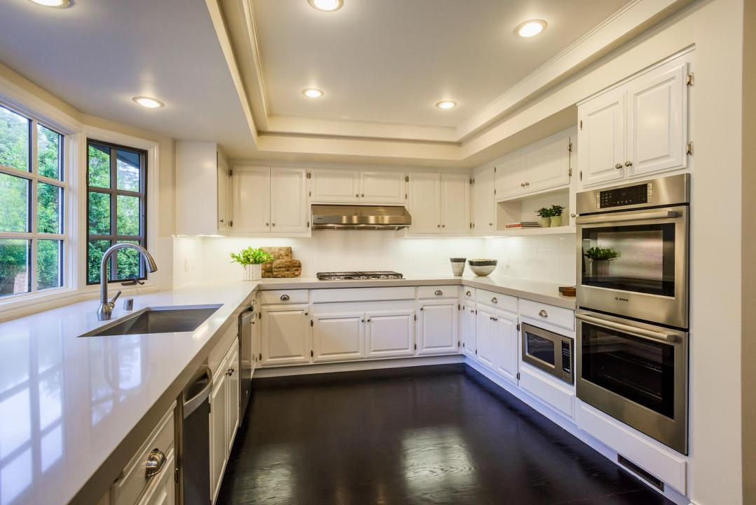 452 Roblar Ave Hillsborough CA-large-046-54-Kitchen-1499x1000-72dpi
