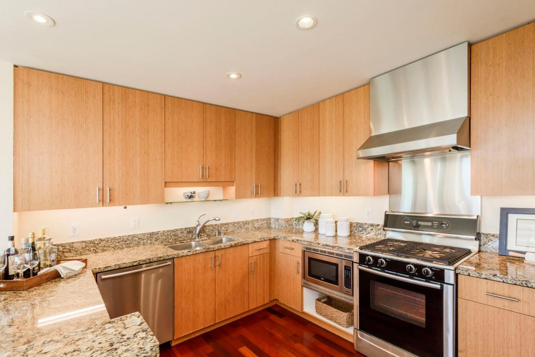 235 Berry St Kitchen 2