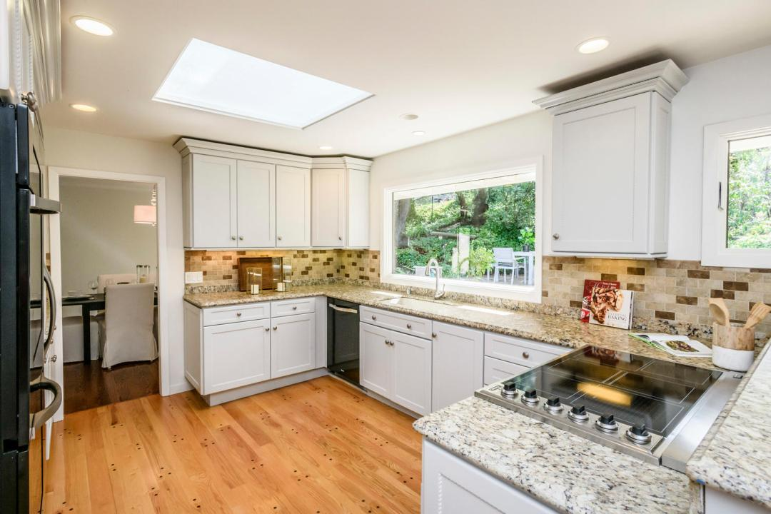 3029 Canyon Rd Burlingame CA-large-011-3-Kitchen-1500x1000-72dpi