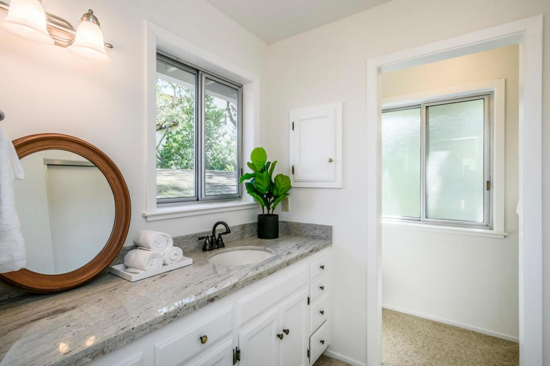 3029 Canyon Rd Burlingame CA-large-024-19-Bathroom-1500x1000-72dpi