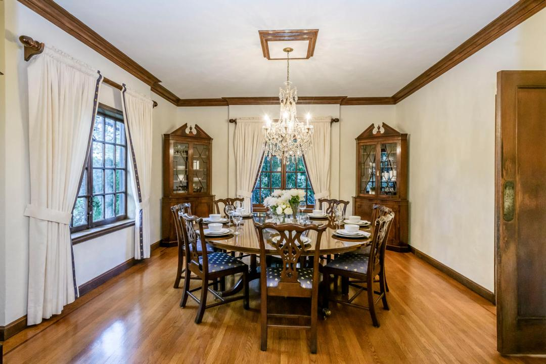 133 Ridgeway Rd Hillsborough-large-012-8-Dining Room-1500x1000-72dpi