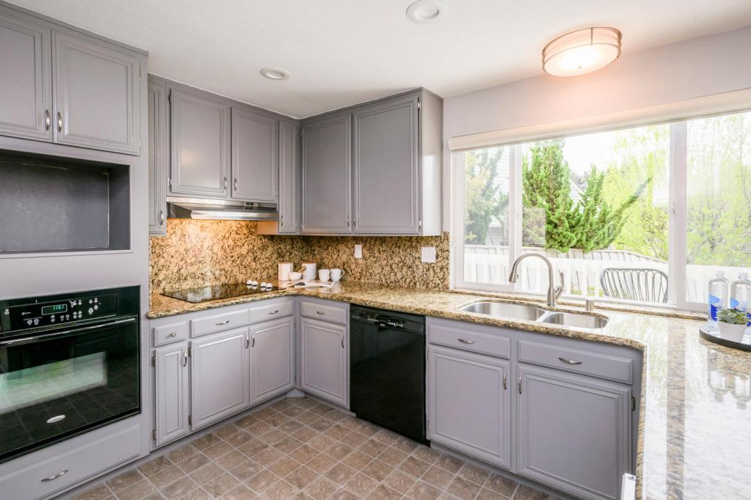 327 Green Hills Dr Millbrae CA-large-012-1-Kitchen-1500x1000-72dpi