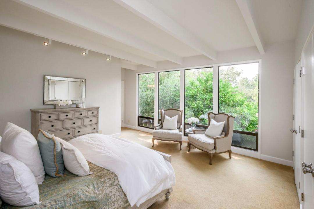 110 Los Montes Dr Burlingame-large-021-24-Master Bedroom-1500x1000-72dpi