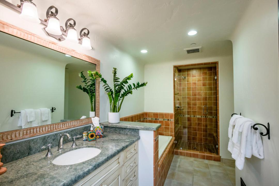 280 Robin Rd Hillsborough CA-large-039-85-Bathroom-1500x1000-72dpi