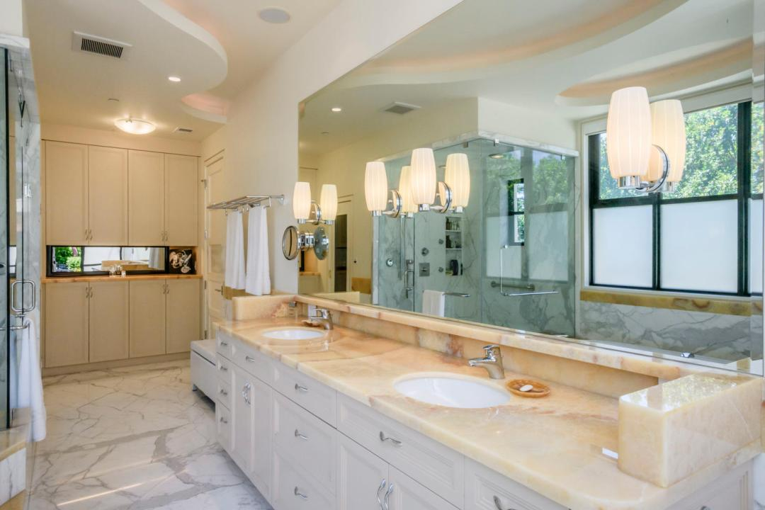 930 Hillsborough Blvd-large-037-11-Master Bath-1500x1000-72dpi